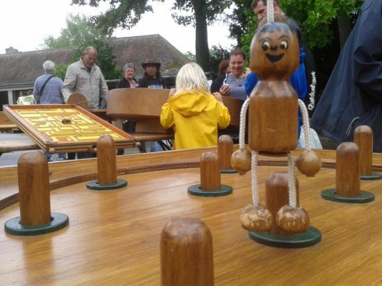 animation jeux en bois lors la Fête de la moisson 2013
